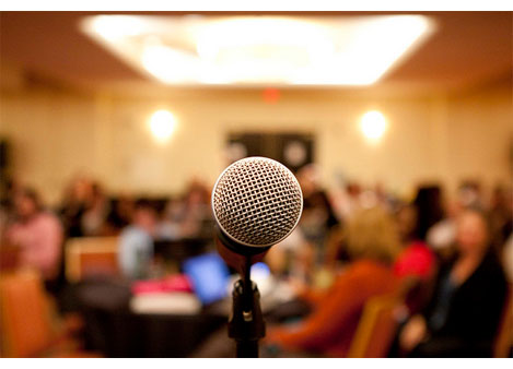 town-hall-microphone_030615